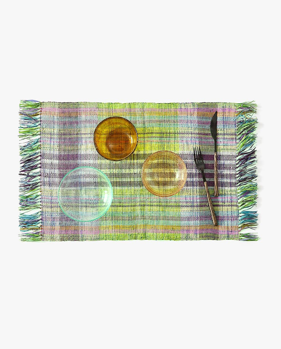 FRINGED FIBRE PLACEMAT