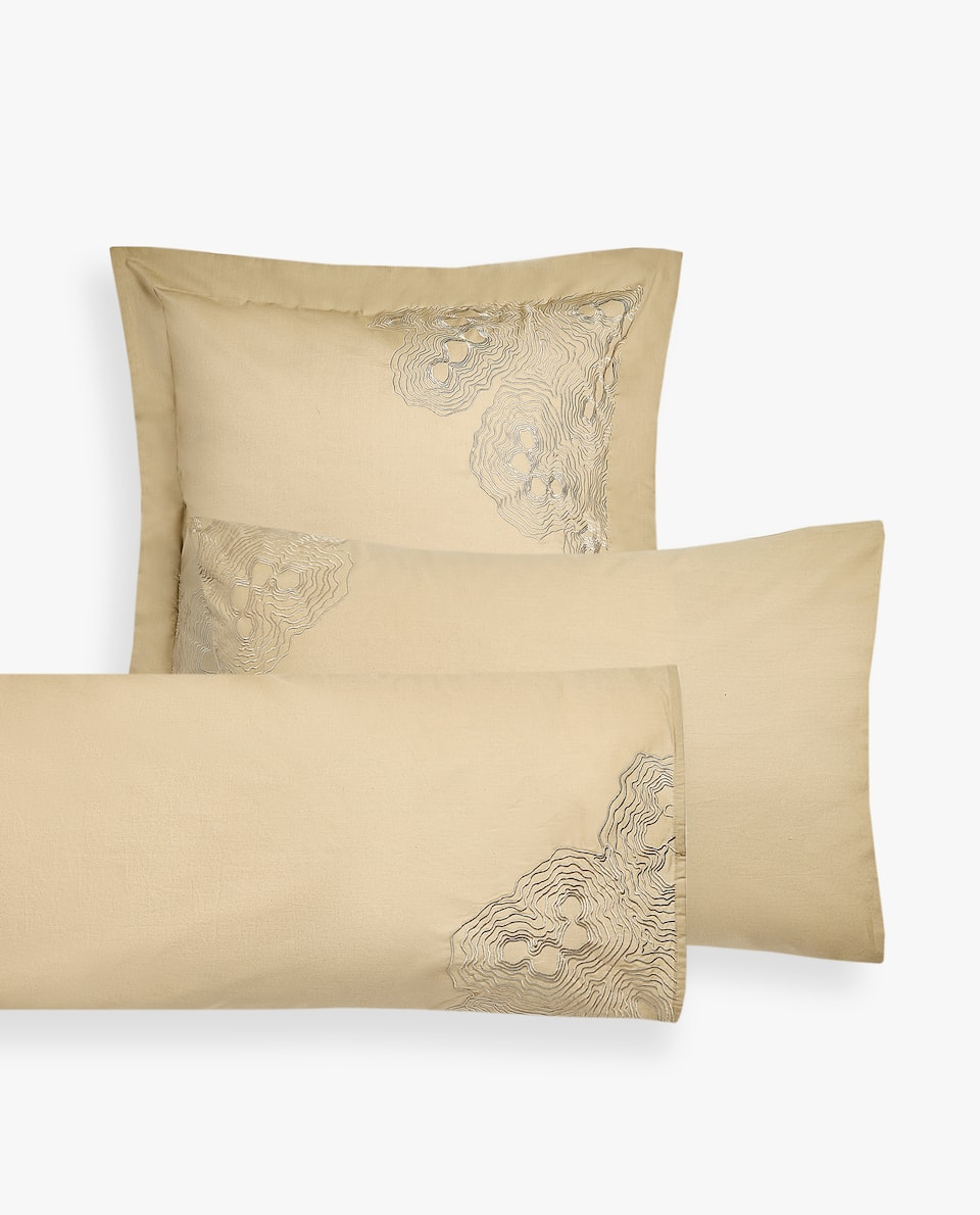 DUVET COVER WITH EMBROIDERED MINERALS