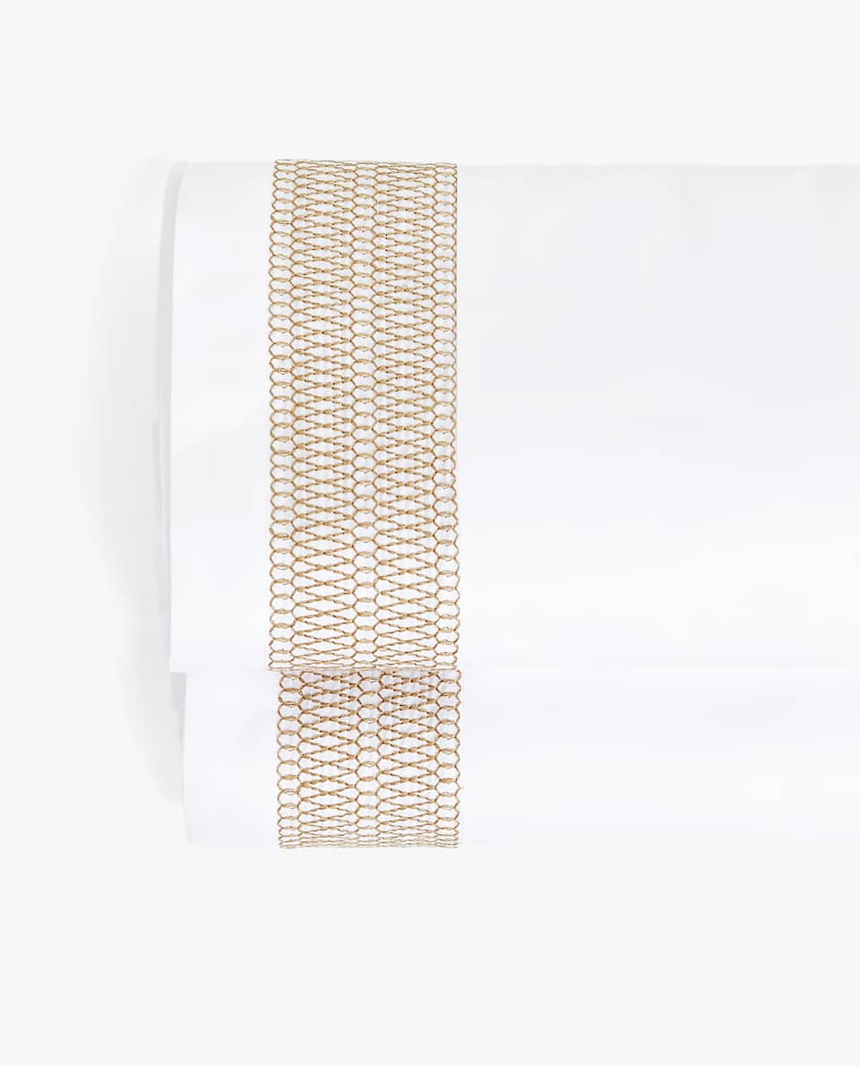 FLAT SHEET WITH GEOMETRIC BAND