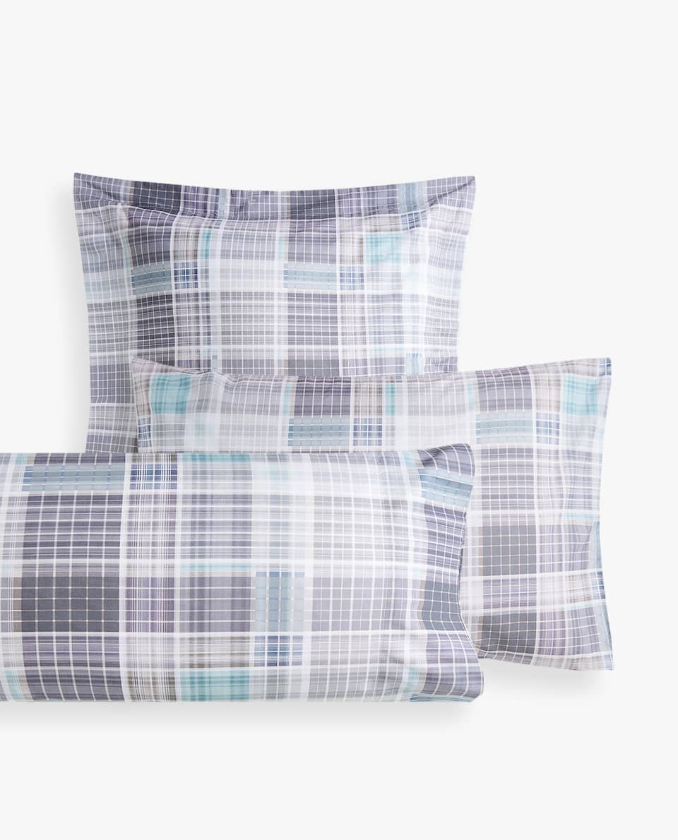 CHECKERED PRINT PILLOWCASE