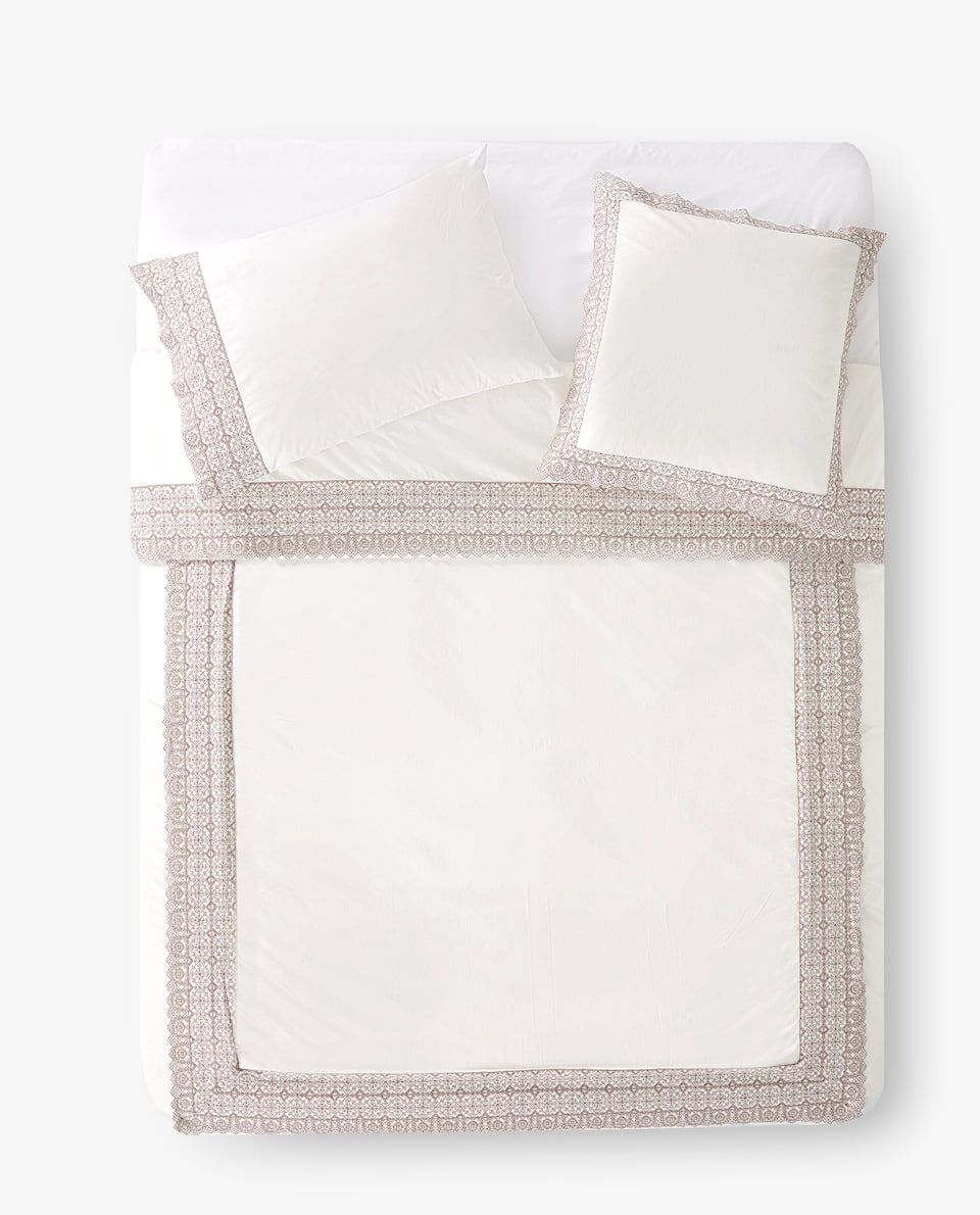 DUVET COVER WITH EMBROIDERED BORDER