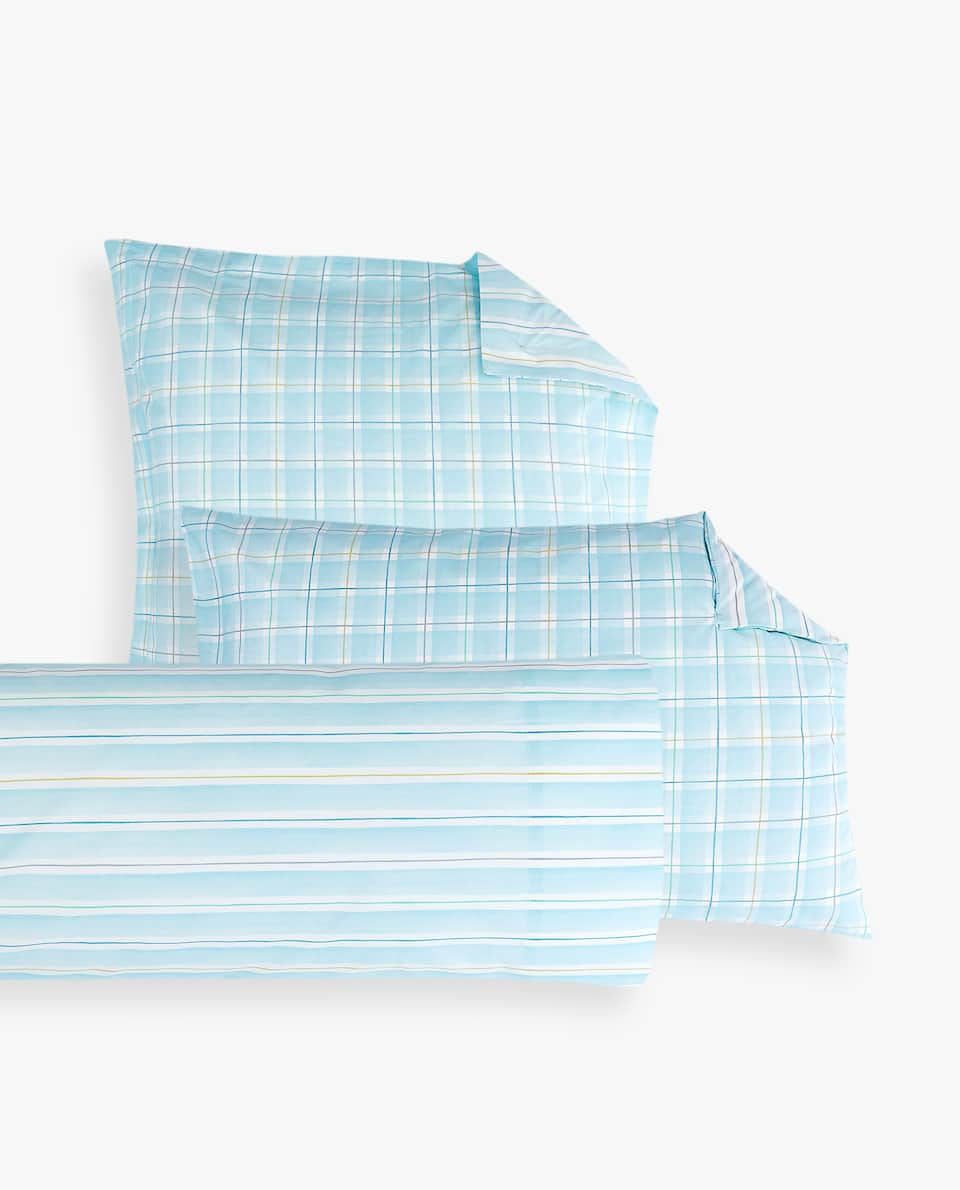 REVERSIBLE BLUE CHECK PRINT PILLOWCASE