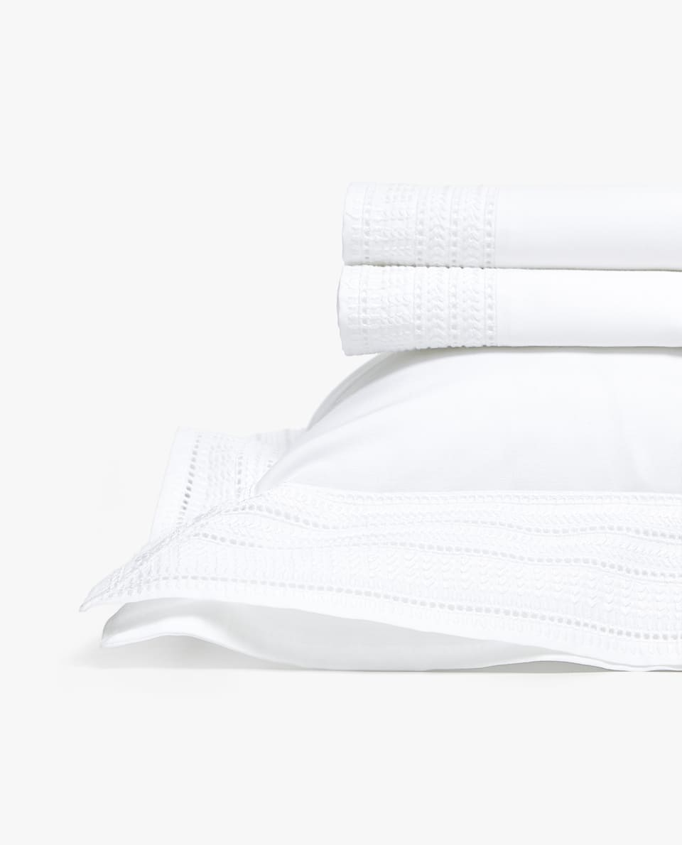 EMBROIDERED PERCALE COT SHEET SET