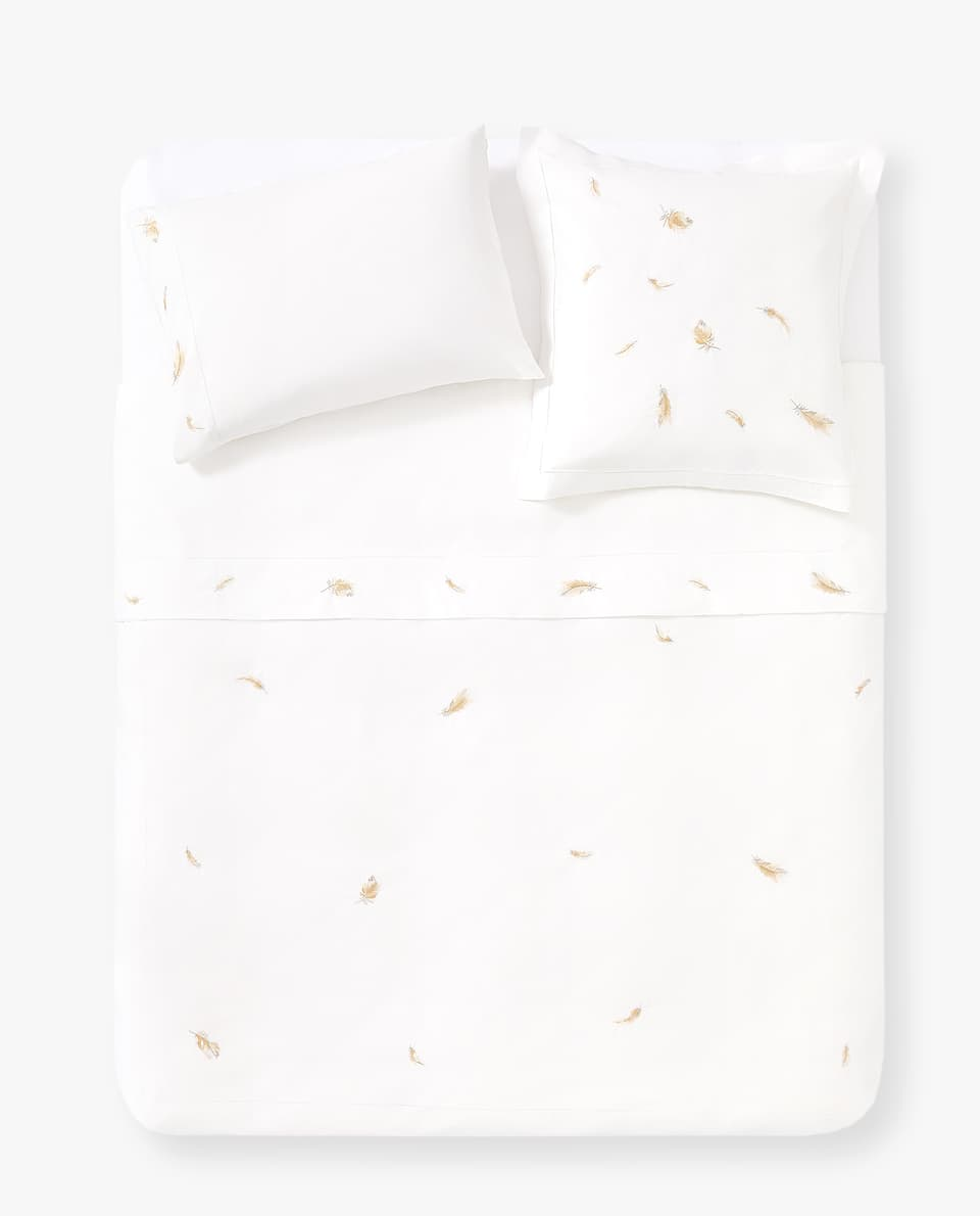 FEATHERY EMBROIDERY DUVET COVER