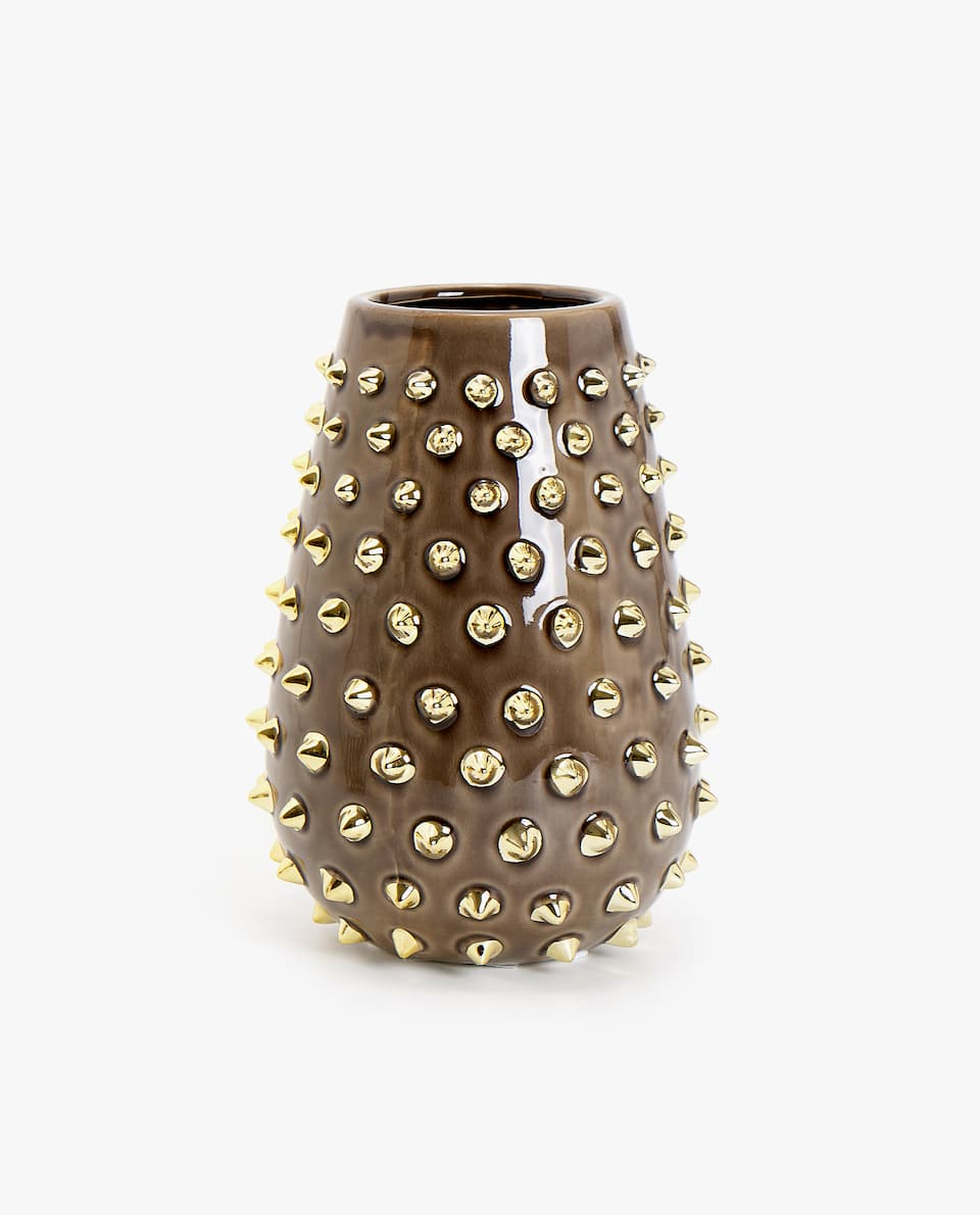 SPIKE DESIGN CERAMIC DECORATIVE BOTTLE