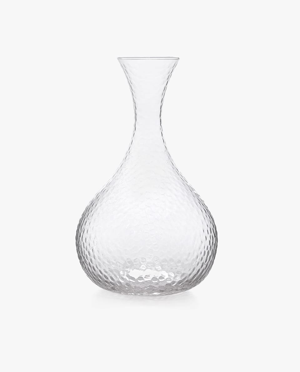 HAMMERED-EFFECT DECANTER
