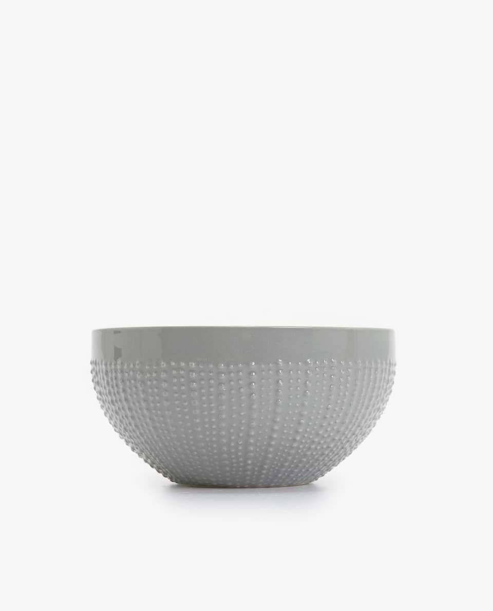 TEXTURED PORCELAIN BOWL WITH AN URCHIN EFFECT