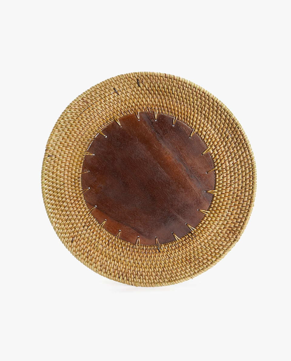 WOOD AND RATTAN CHARGER PLATE