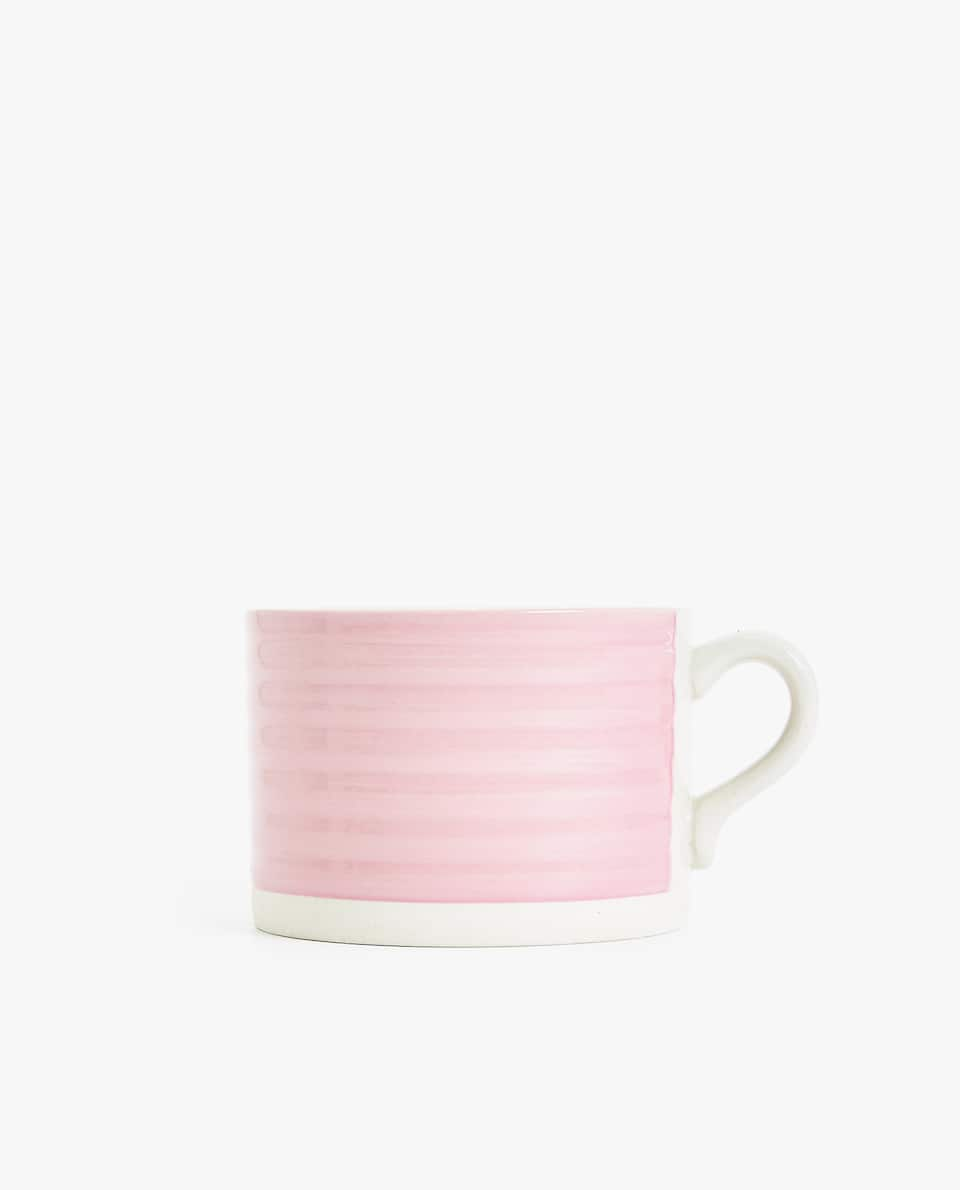 RAISED WAVY DESIGN STONEWARE MUG