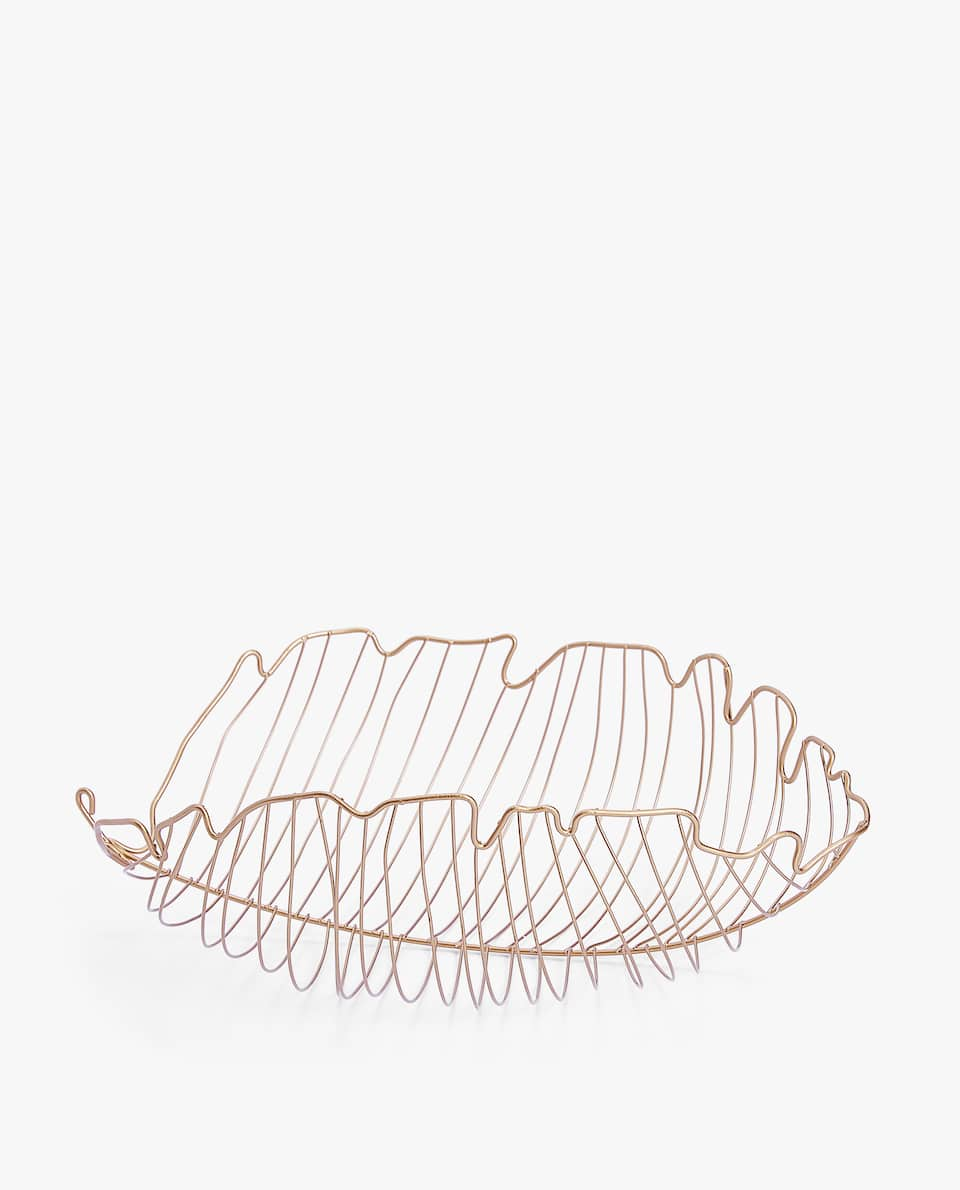LEAF SHAPED BASKET