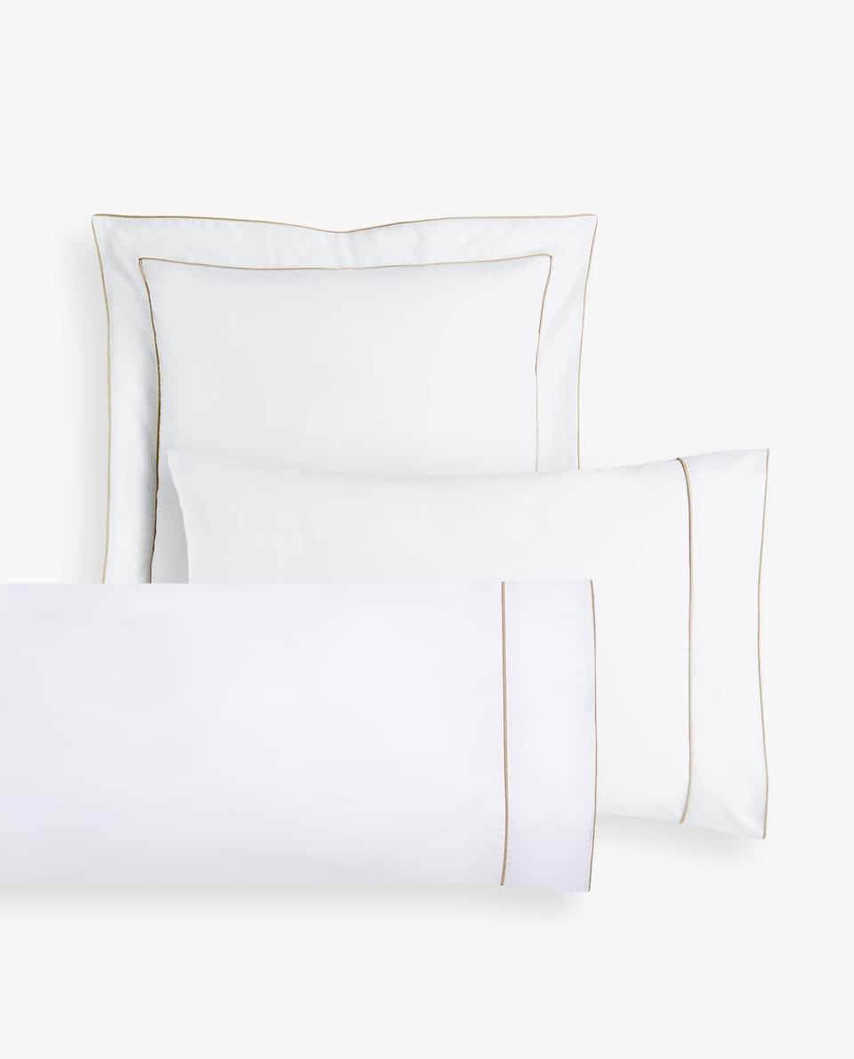 PILLOWCASE WITH CONTRAST PIPING