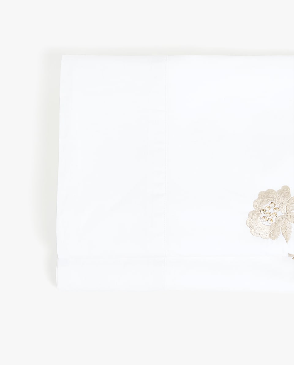 BRANCHES AND FLOWERS EMBROIDERED FLAT SHEET