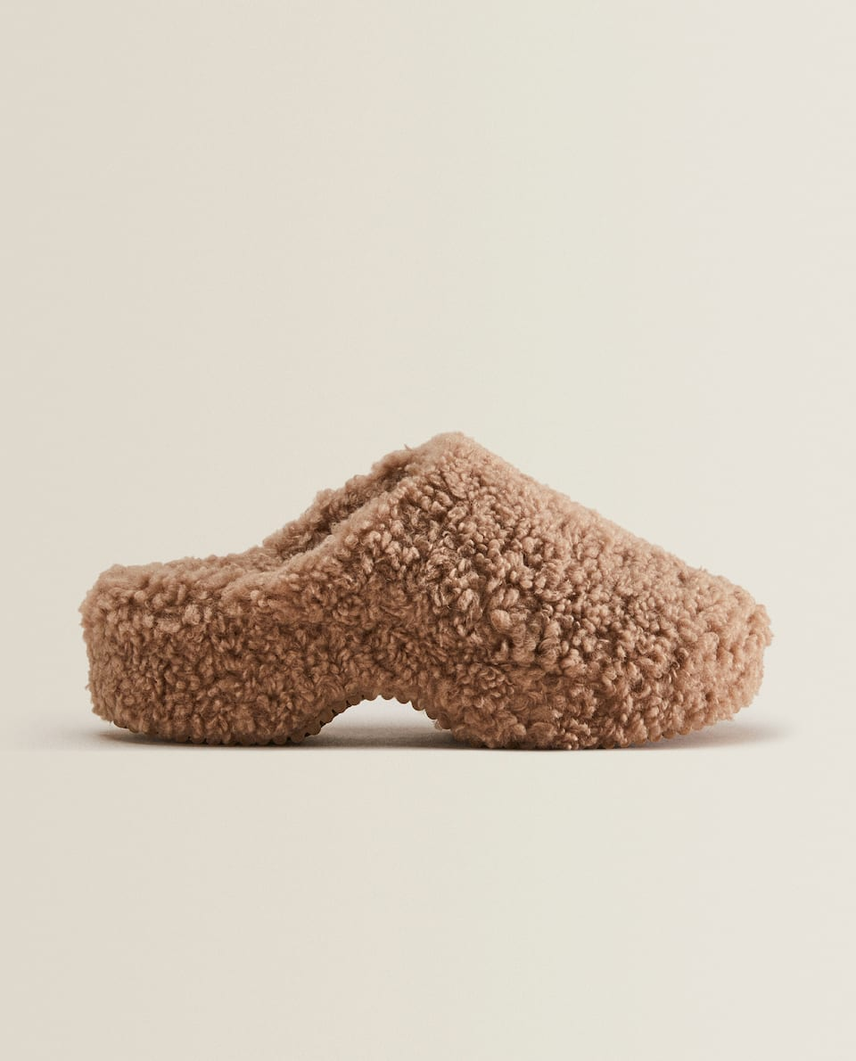 FAUX SHEARLING CLOG SLIPPERS