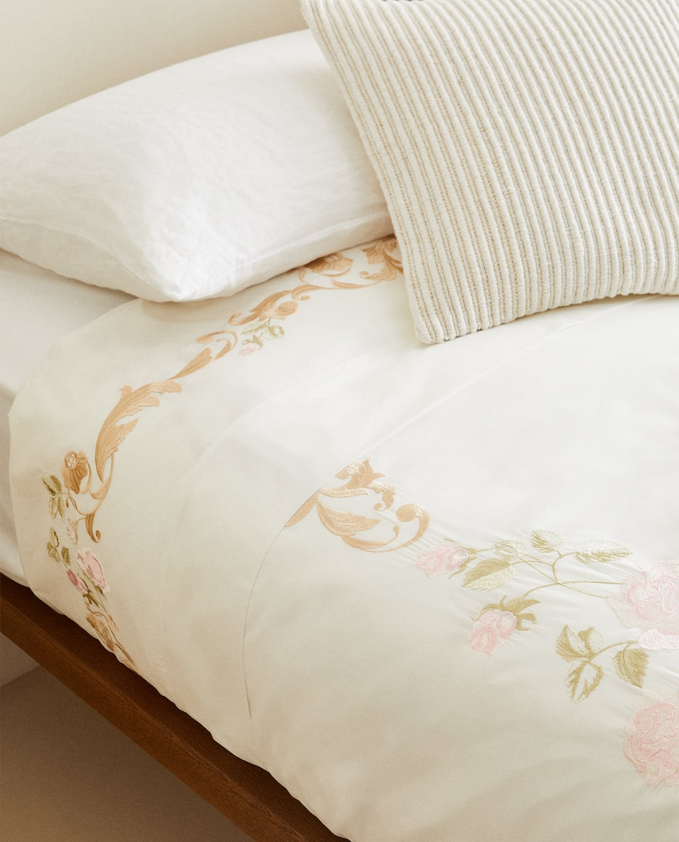 DUVET COVER WITH ORNAMENTAL EMBROIDERY