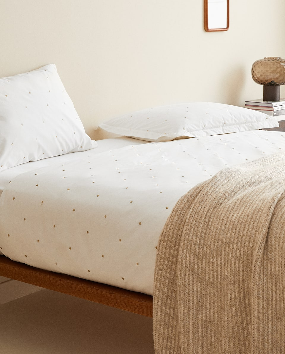 DUVET COVER WITH EMBROIDERED DOTS
