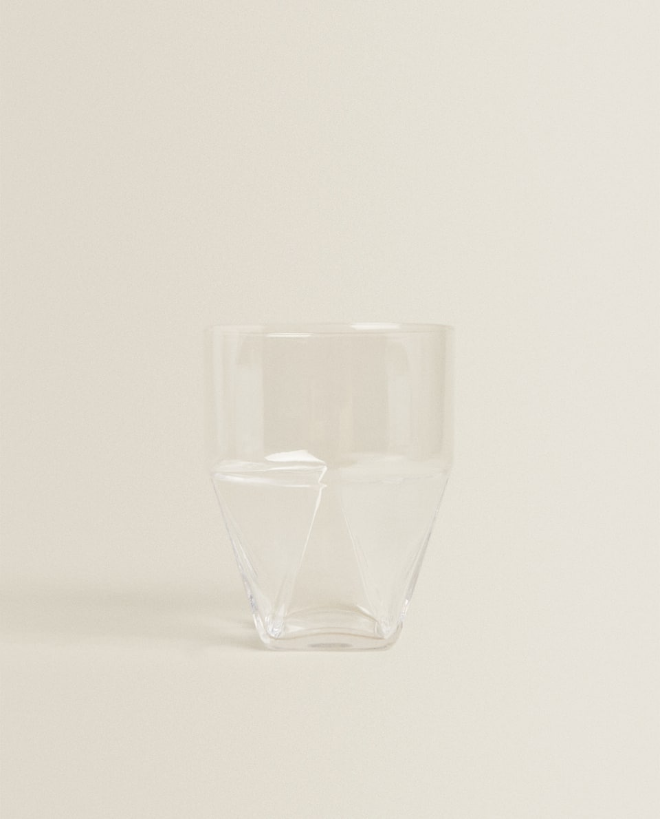 GEOMETRIC-SHAPED TUMBLER