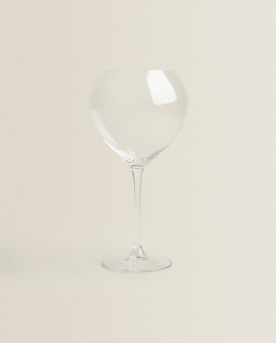 LARGE ROUNDED CRYSTALLINE WINE GLASS