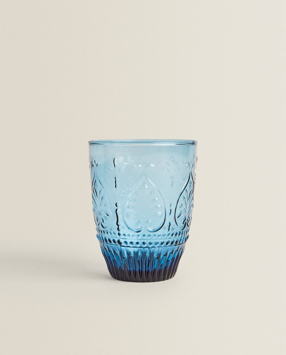 TINTED GLASS TUMBLER WITH RAISED DESIGN