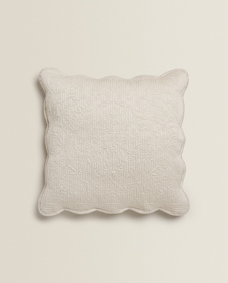 SCALLOPED BEIGE CUSHION COVER WITH DAMASK DESIGN