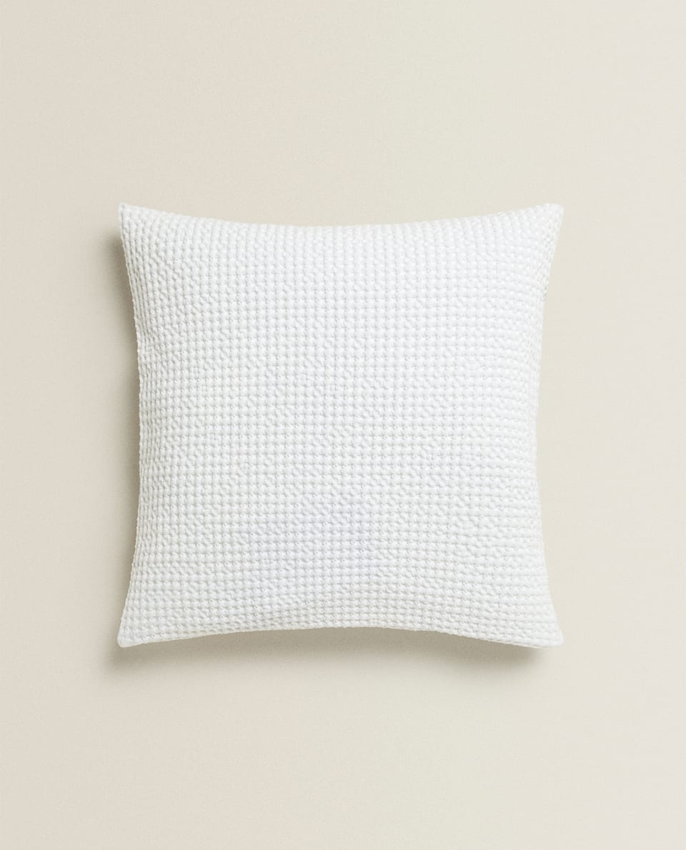 WAFFLE-EFFECT THROW PILLOW