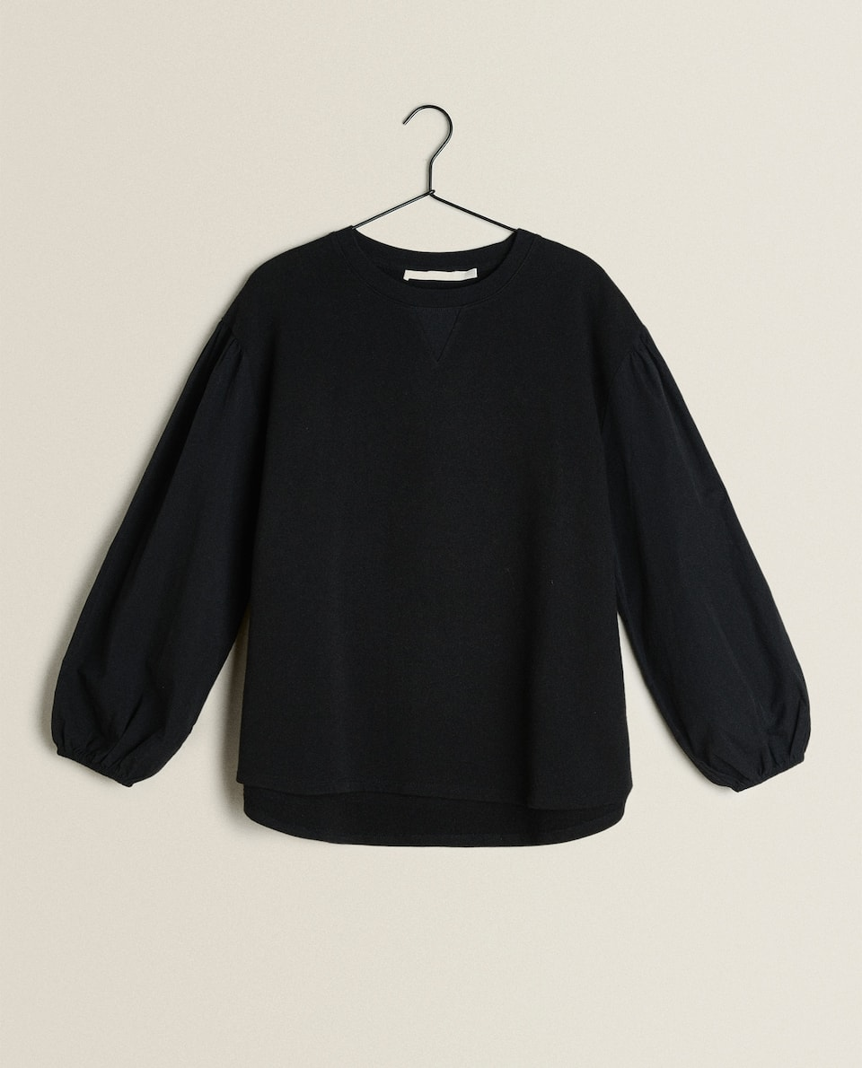 SWEATSHIRT WITH PLAIN WEAVE SLEEVES