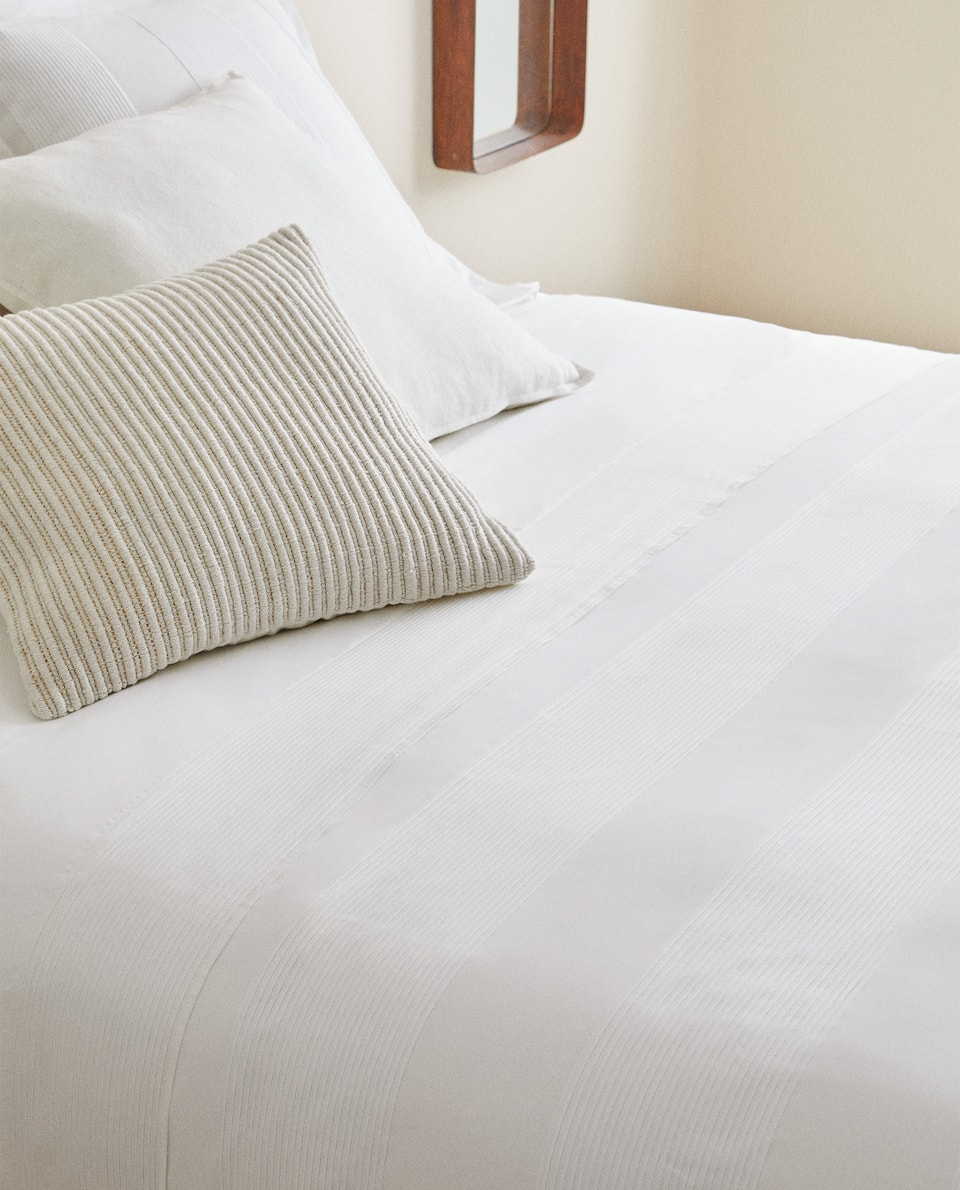 PLEATED COMFORTER COVER