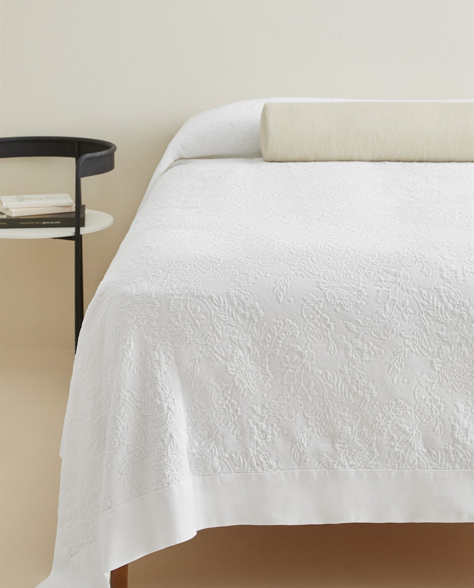 FLORAL COTTON BEDSPREAD