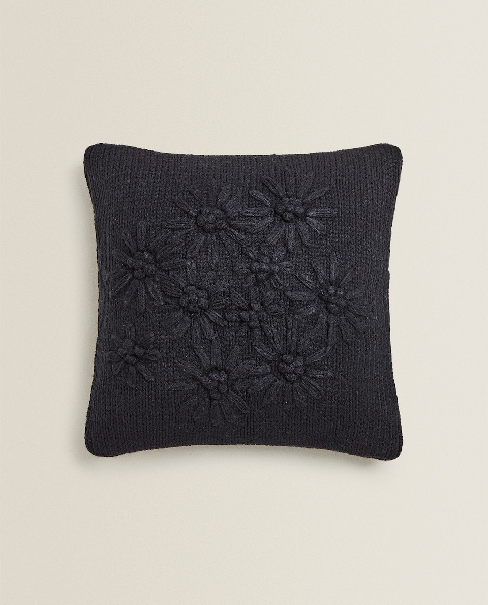 HOUSSE DE COUSSIN MAILLE BRODERIE