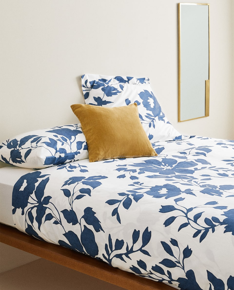 DUVET COVER WITH BLUE FLORAL PRINT