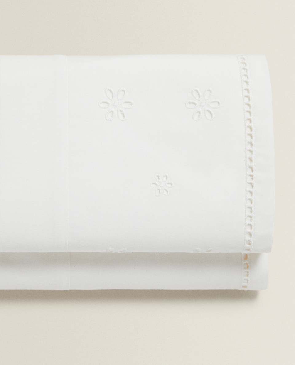 EMBROIDERED FLAT SHEET