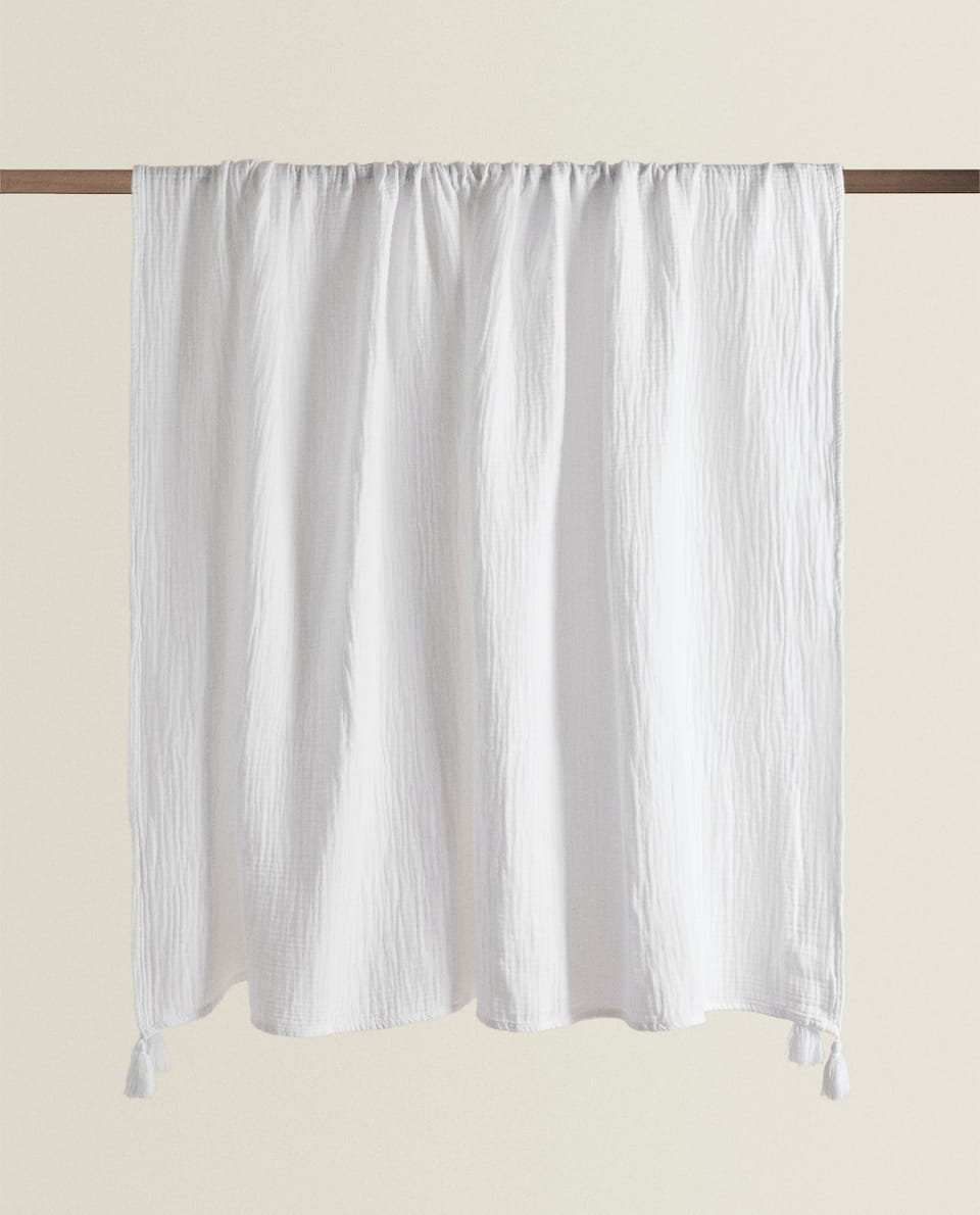 MUSLIN BLANKET WITH TASSELS