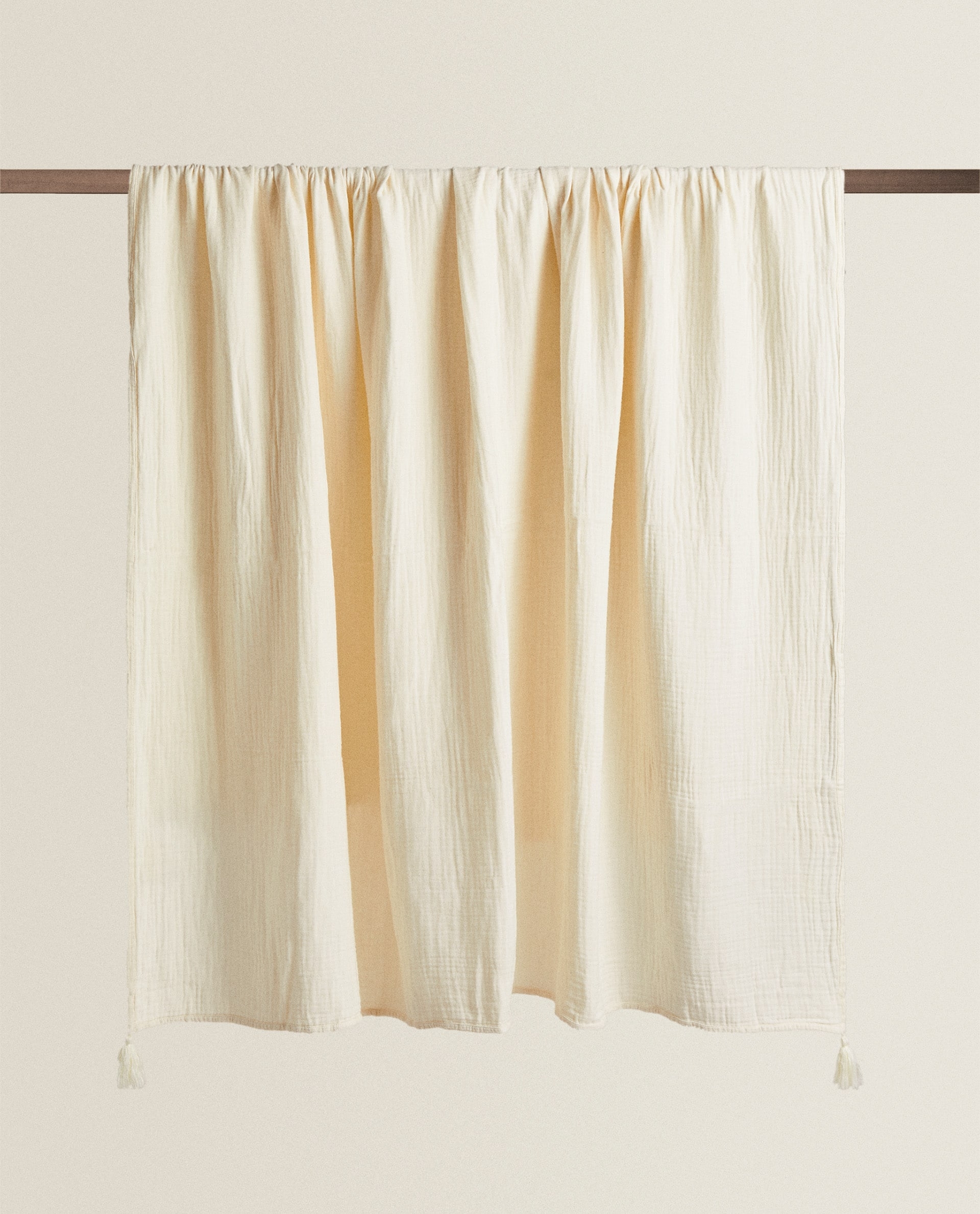 Muslin Blanket With Tassels Blankets Bedroom Zara Home Canada