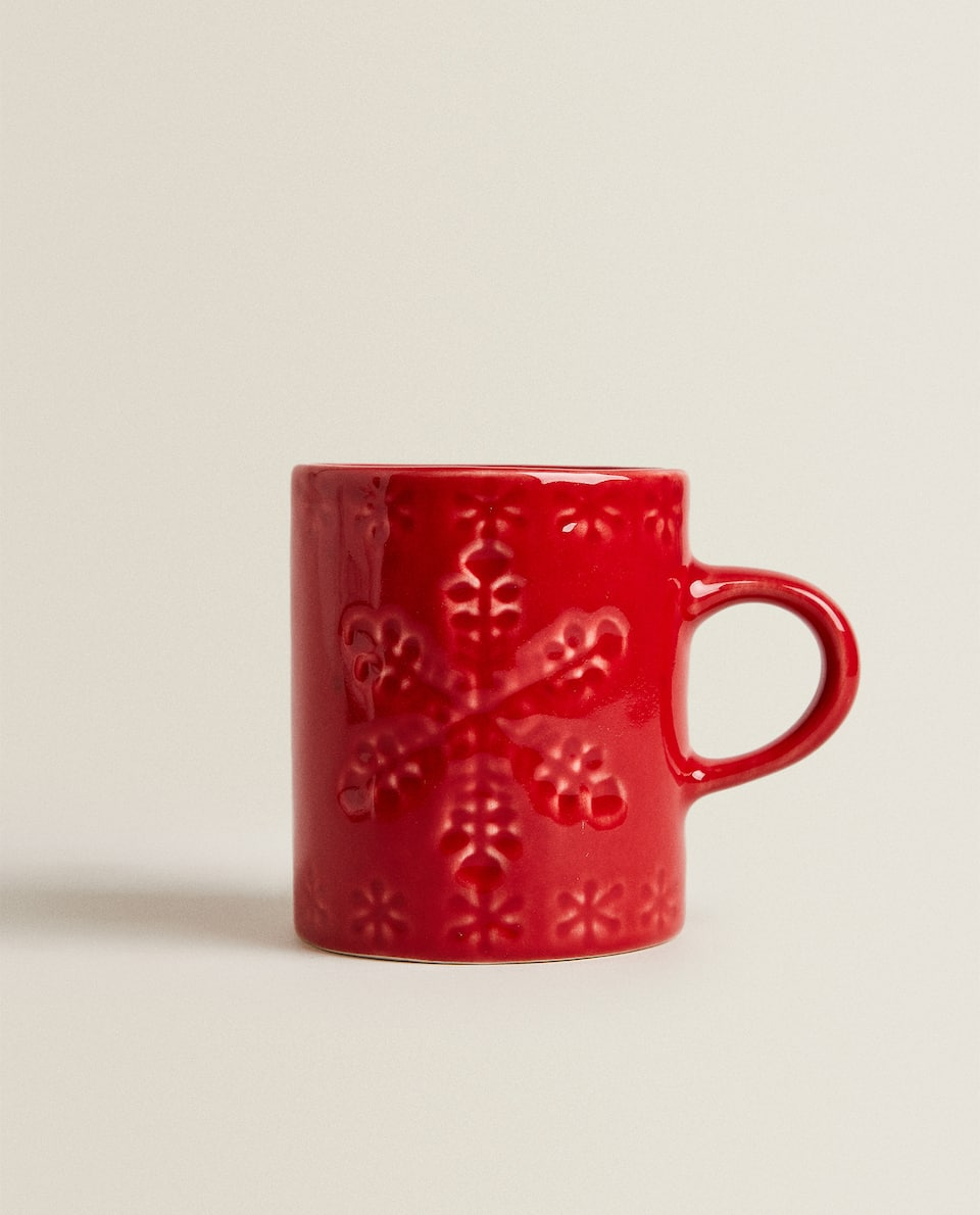 EARTHENWARE MUG WITH RAISED SNOWFLAKE DESIGN