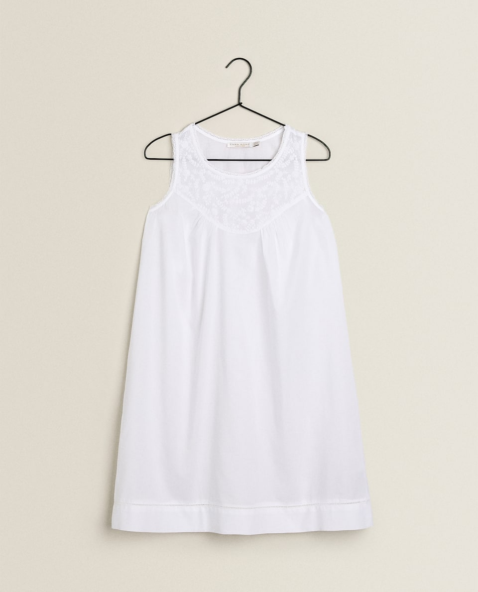 FLORAL EMBROIDERY NIGHTDRESS