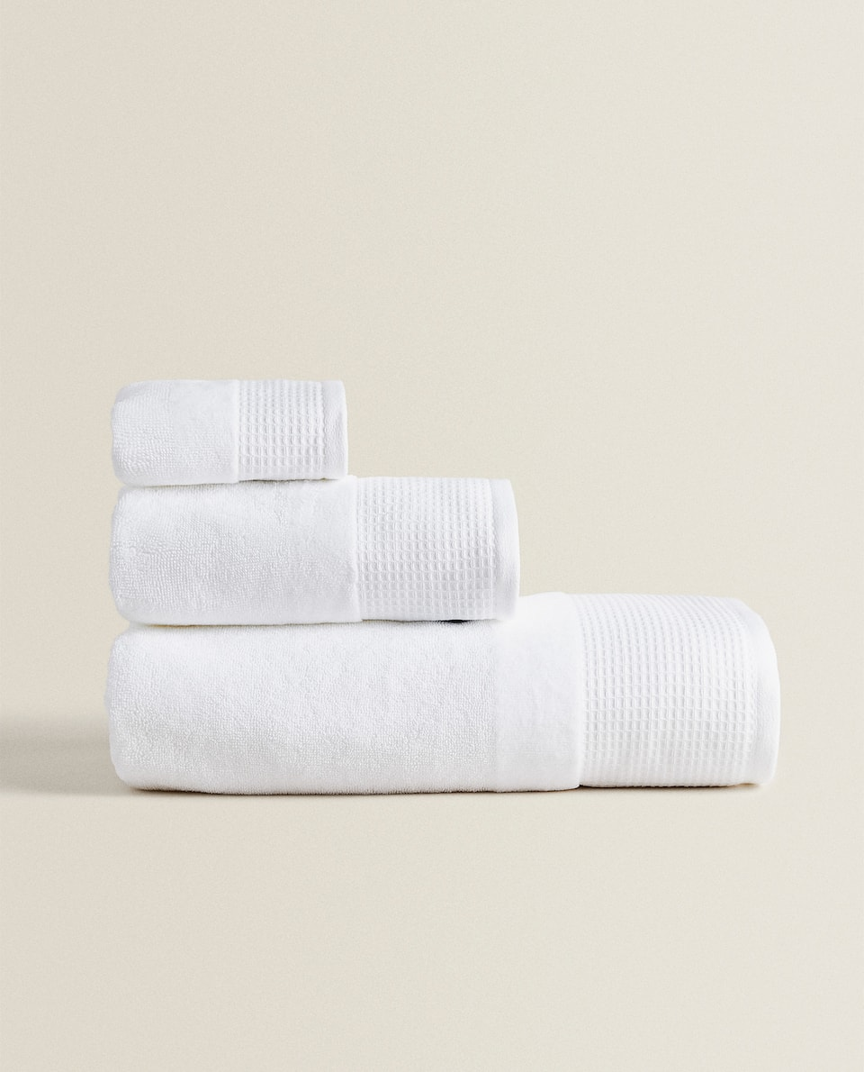 TOWEL WITH WAFFLE BORDER