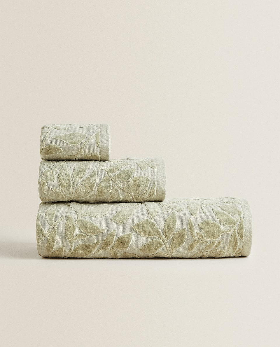 LEAF DESIGN COTTON TOWEL