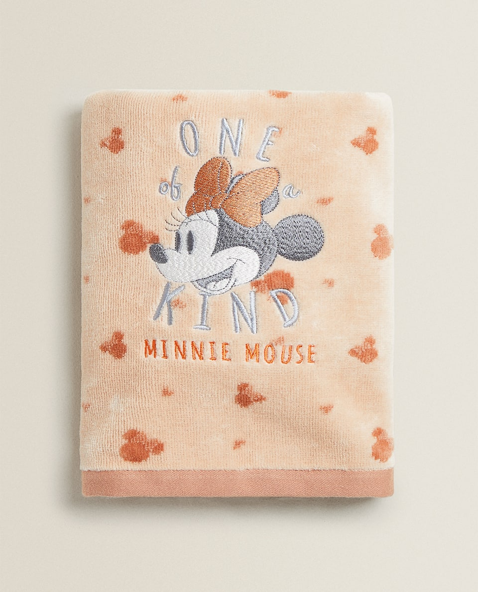 EMBROIDERED MINNIE MOUSE TOWEL