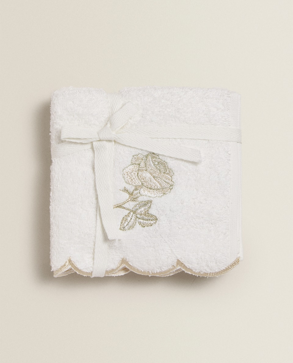 TOWEL WITH FLORAL EMBROIDERY (SET OF 3)