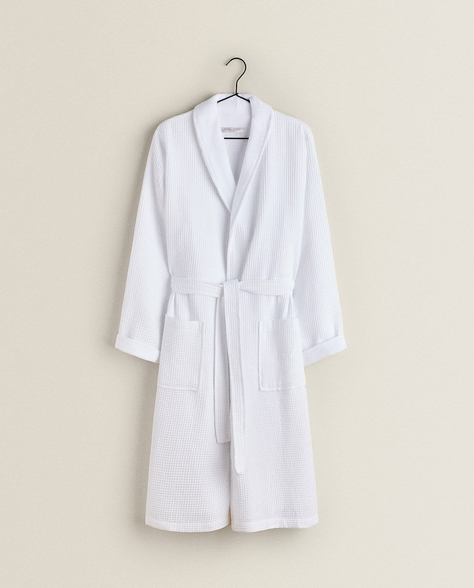 DOUBLE-FABRIC BATHROBE