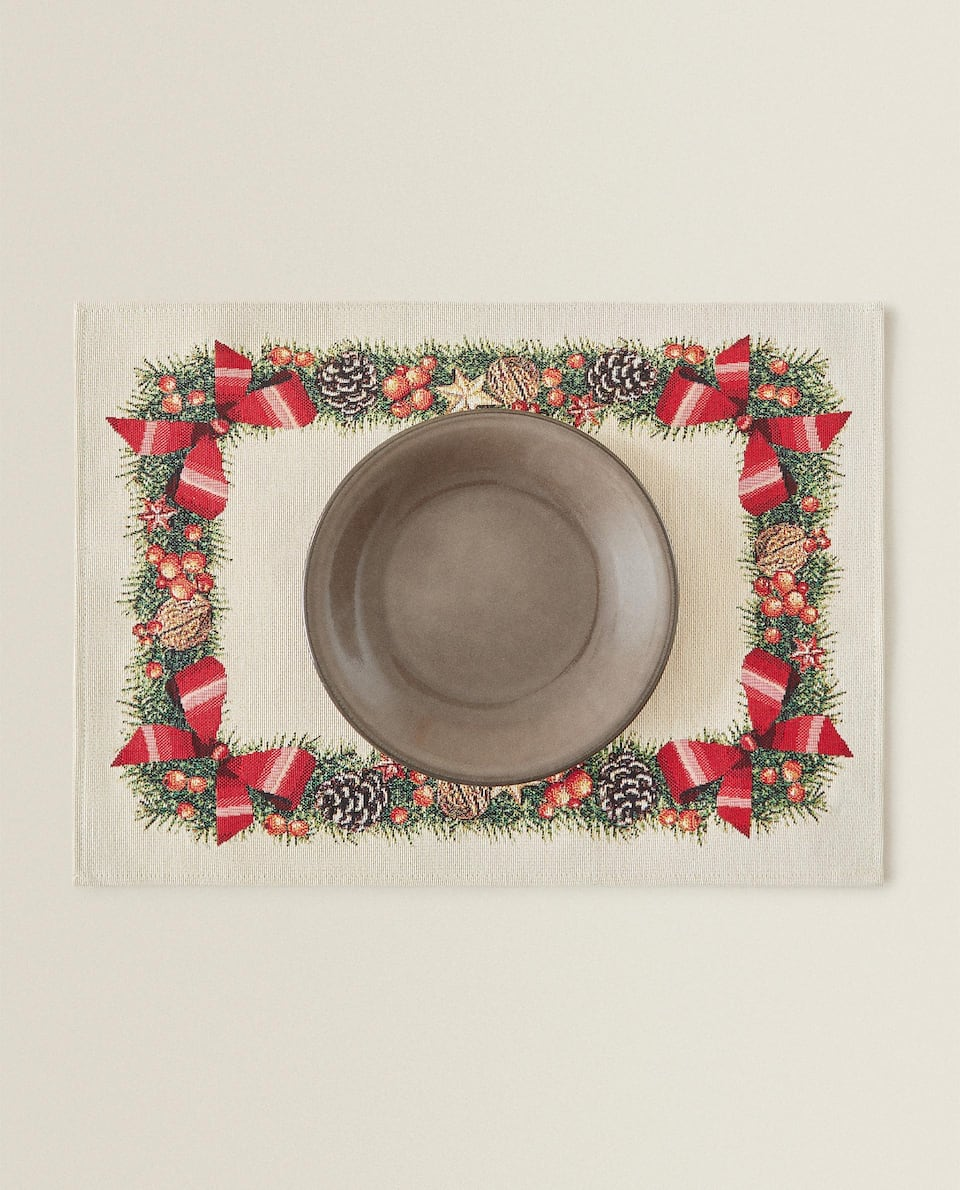 CHRISTMAS PLACEMAT WITH WREATH