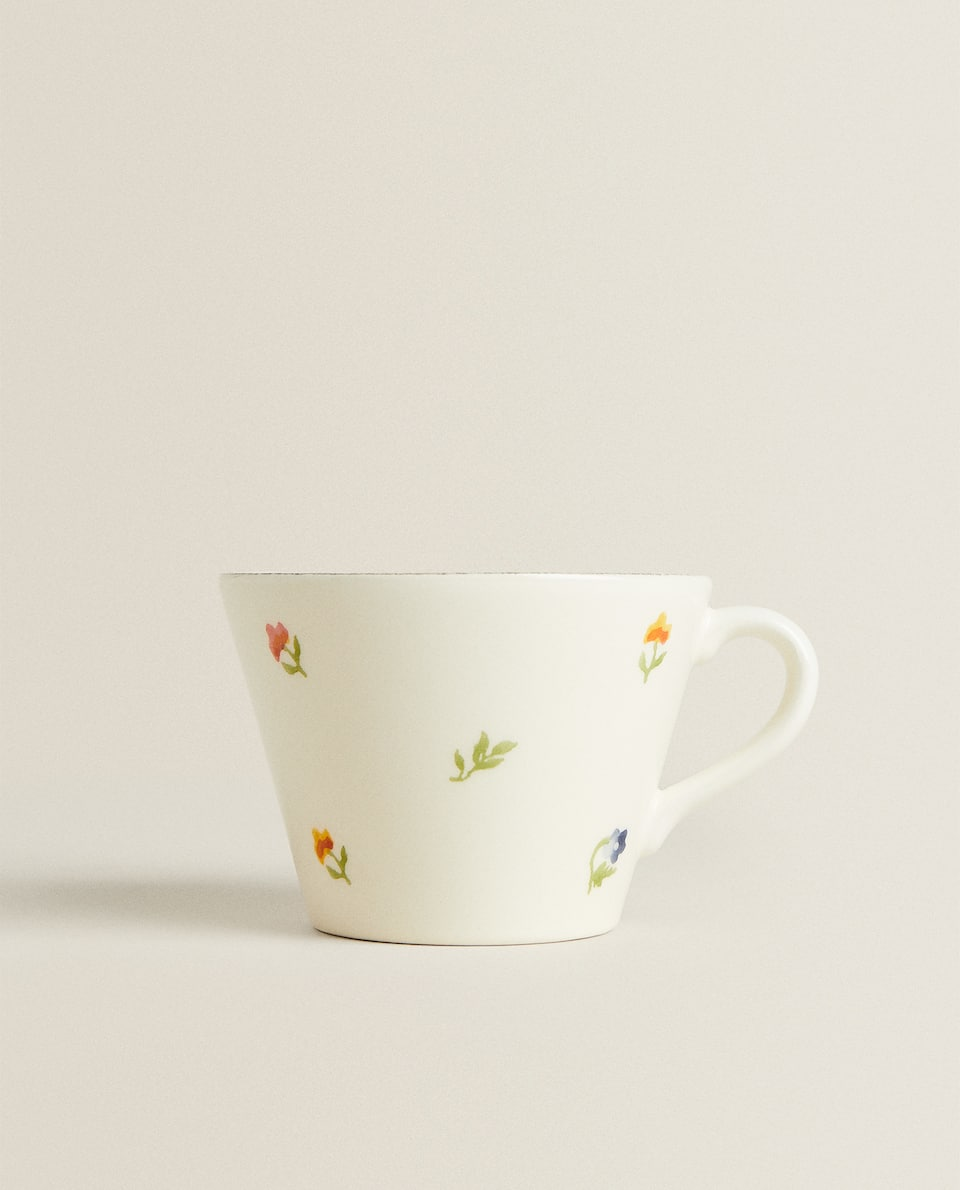 EARTHENWARE MUG WITH FLORAL DESIGN