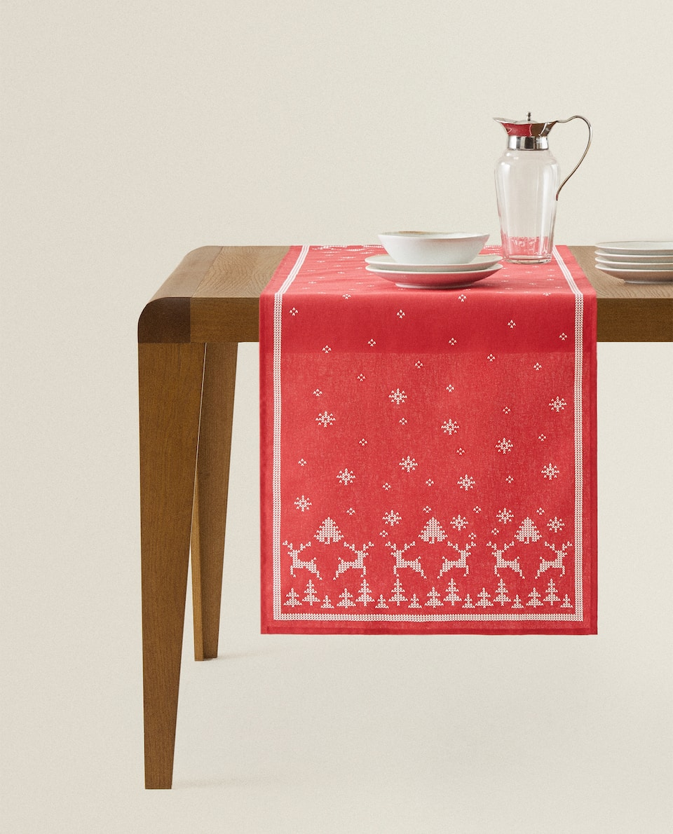 CHRISTMAS TABLE RUNNER WITH REINDEER