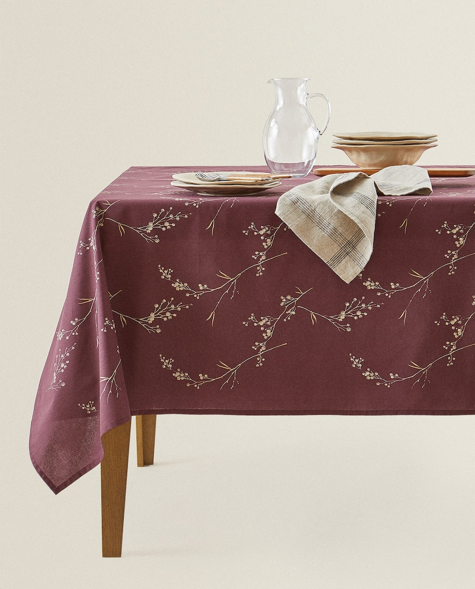 METALLIC FLORAL TABLECLOTH