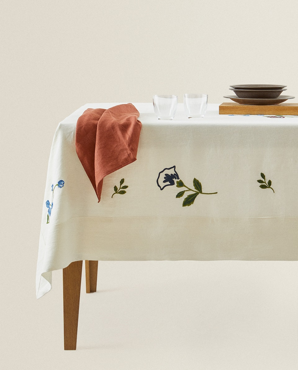 NAPPE LIN BRODERIE