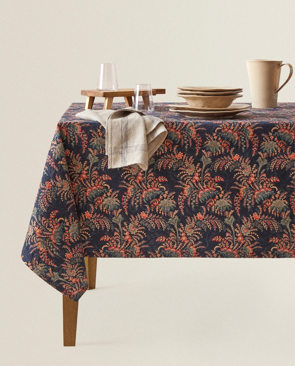 WILDFLOWER PRINT TABLECLOTH