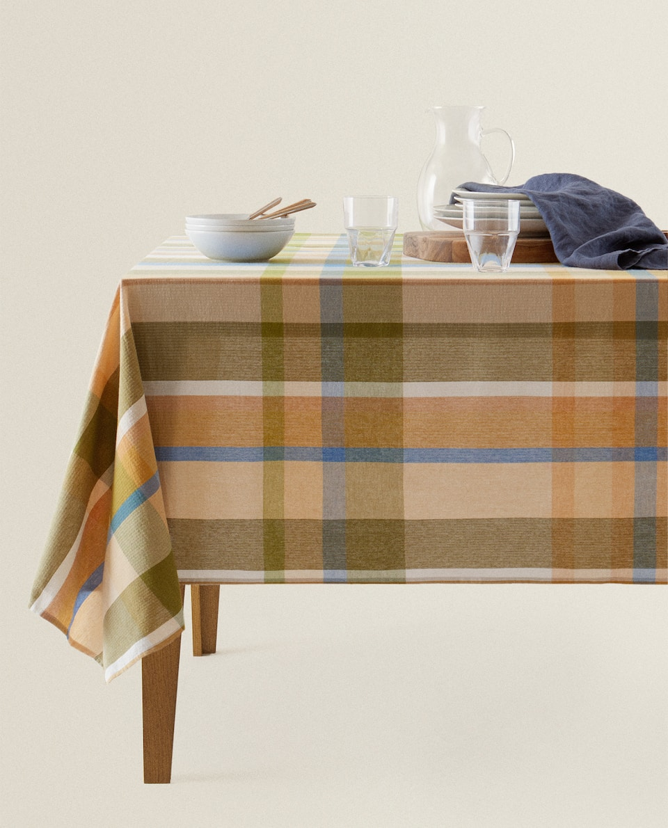 MULTICOLOURED CHECK TABLECLOTH