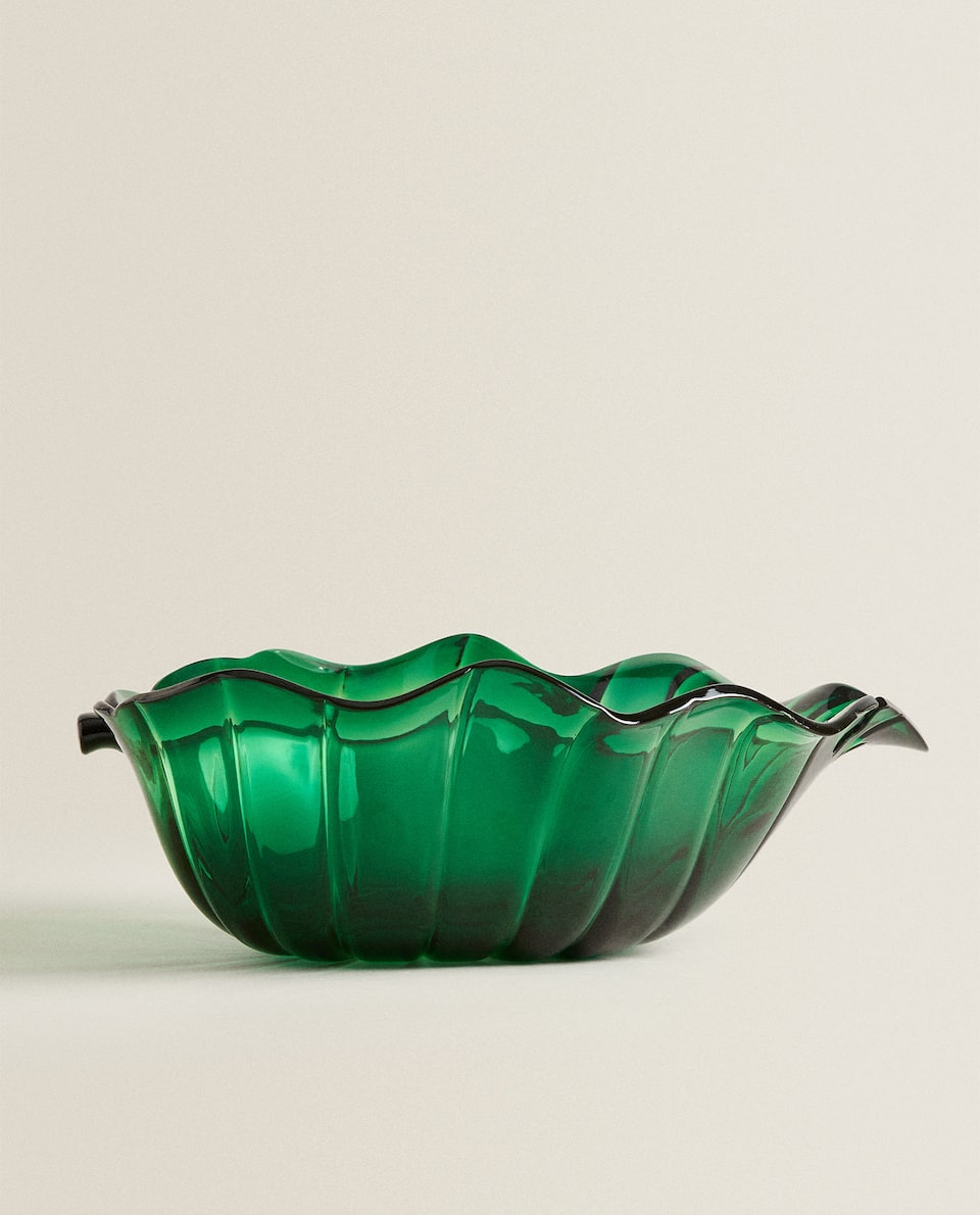 LEAF-SHAPED SALAD BOWL