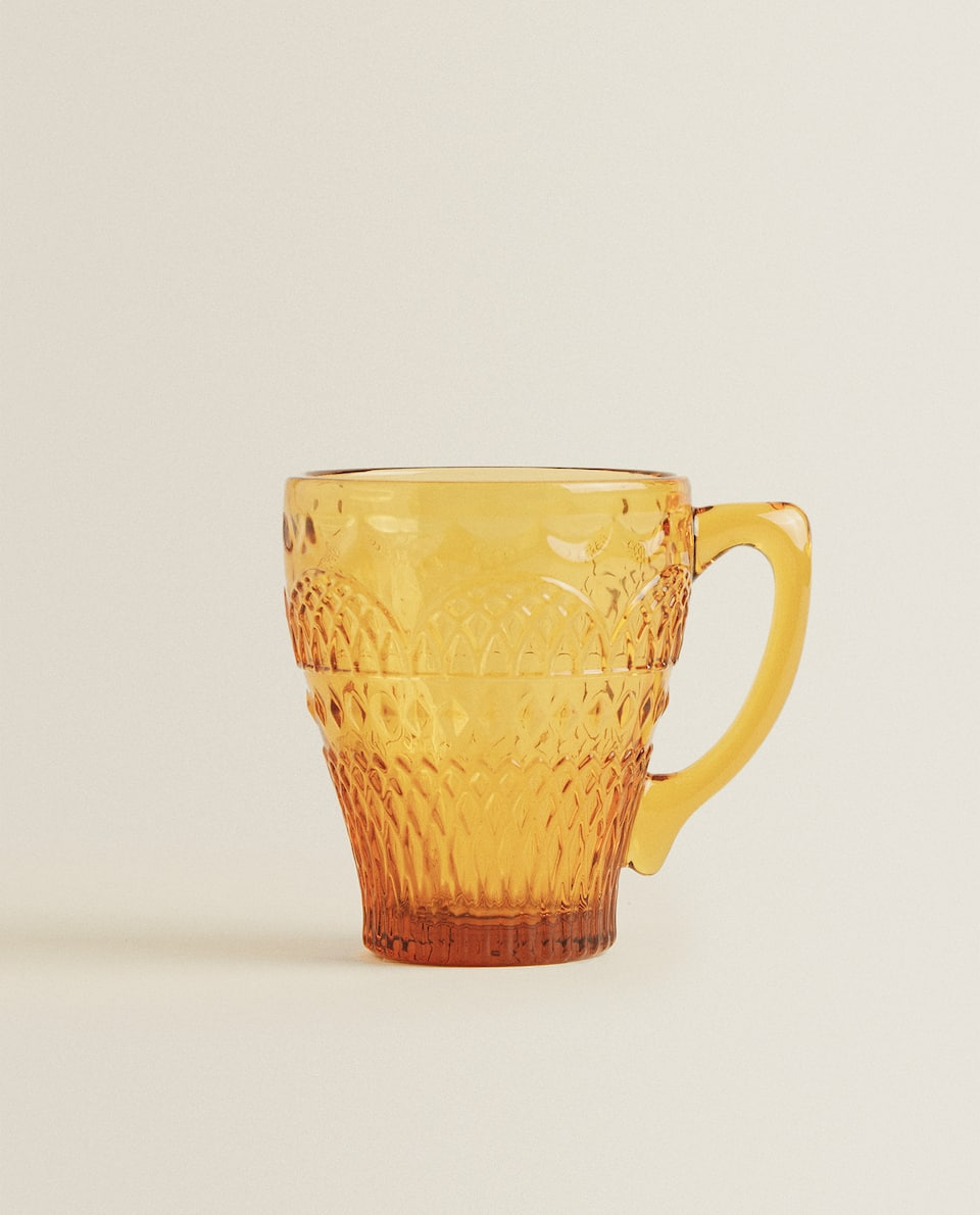 GLASS MUG WITH RAISED DESIGN