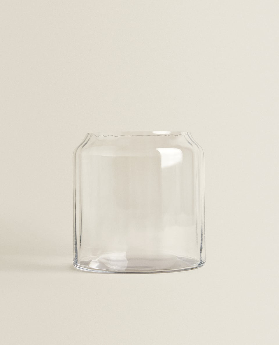 WIDE CRYSTALLINE VASE