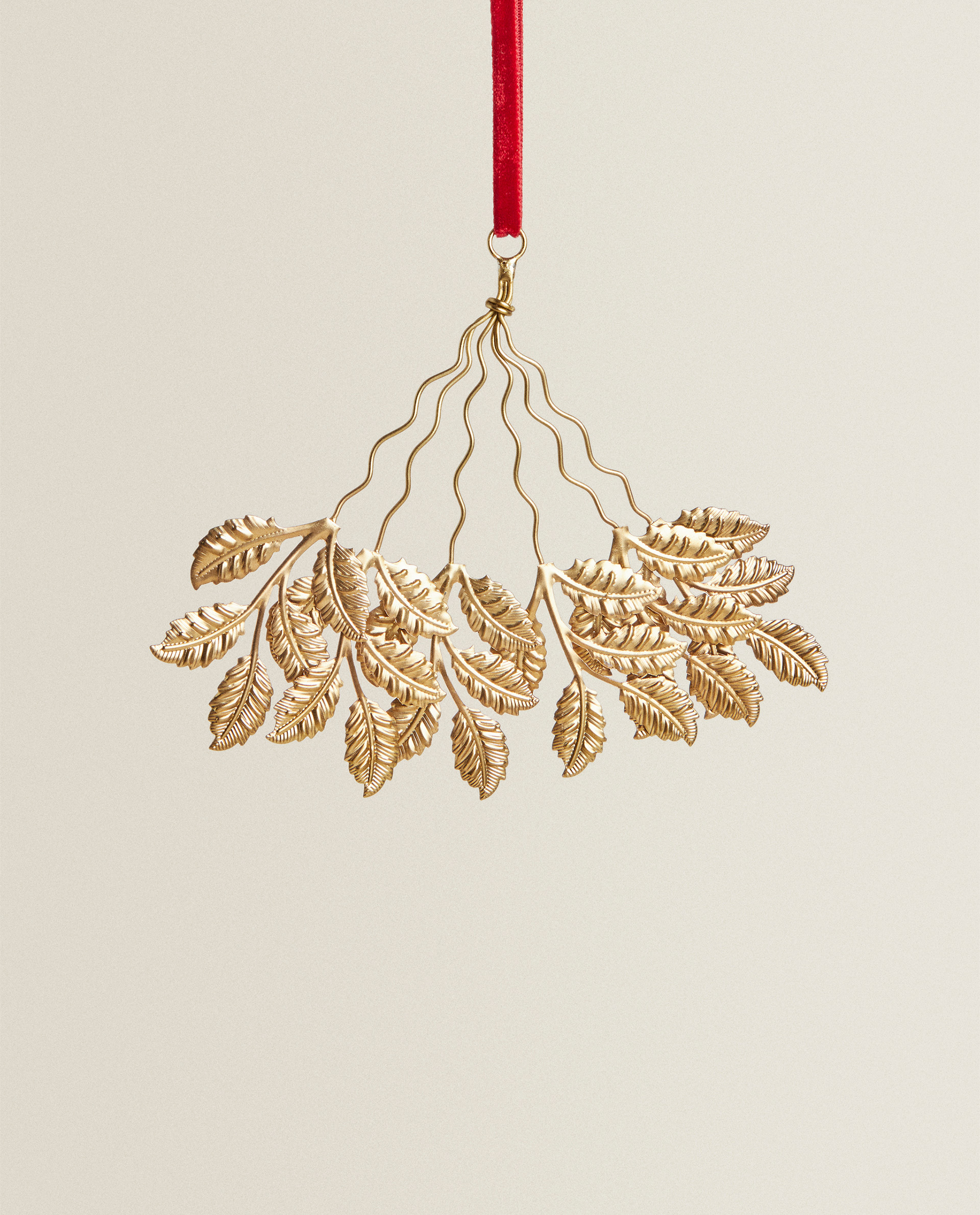 christmas leaf ornament collection new arrivals zara home united states of america christmas leaf ornament